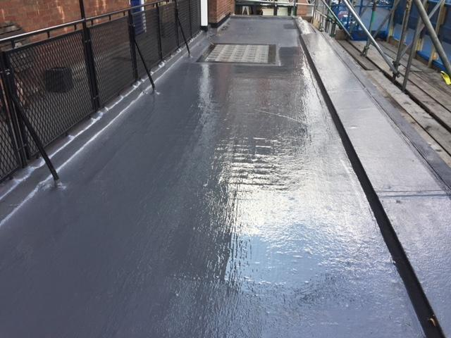 Weatherproofing a Flat Roof Using Liquid Membrane Systems